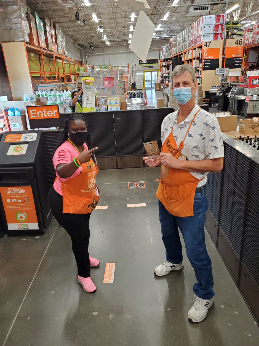 """Its still the 80's here T 6567 But....Today is """"Sundae 🍨 Funday"""".  Mr. James received the first 🎁 Card of the day for his outstanding customer service.   Totally RAD 💥 !!   #80'S #SS2020 #DAY3 https://t.co/tWYyh1au4D"""