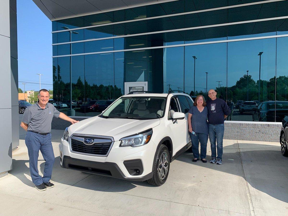 Congratulations, Laura and Steve Brandon in your new 2020 Forester with Internet Sales Consultant Guy Mauro!  #SubaruMemphis #JKSHC #Subaru #subarulove#SubaruForester #Memphis #Tennessee #Mississippi https://t.co/YVQtstnvfC