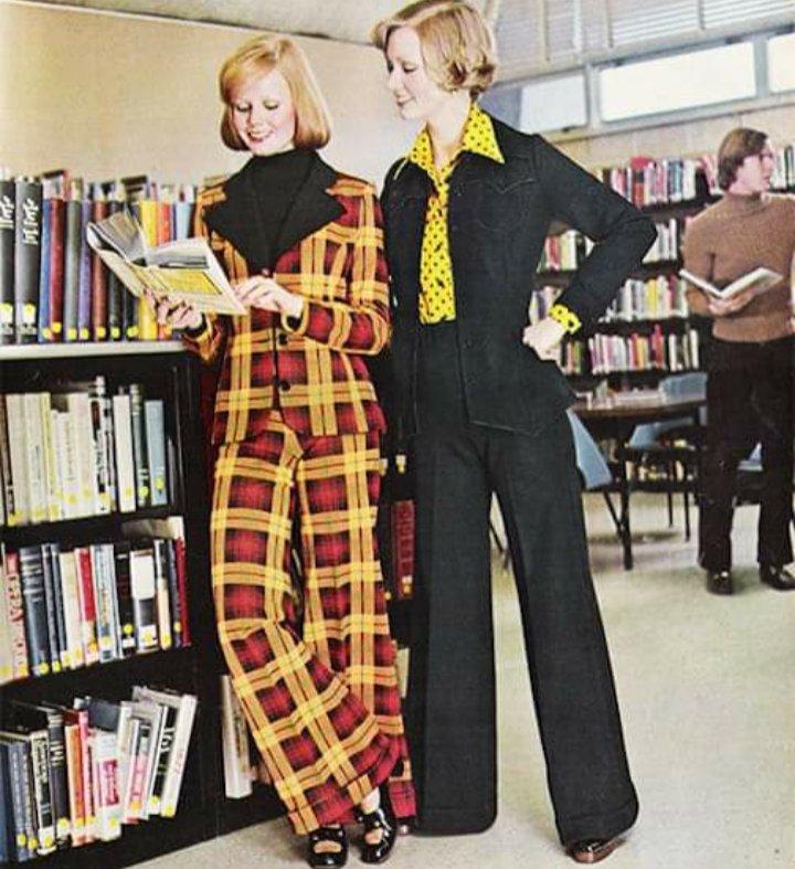 RT @bibliotudinous: Library fashion #librarylife https://t.co/TLw5aQ07qd