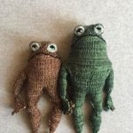 Image for the Tweet beginning: this frog and toad knitting