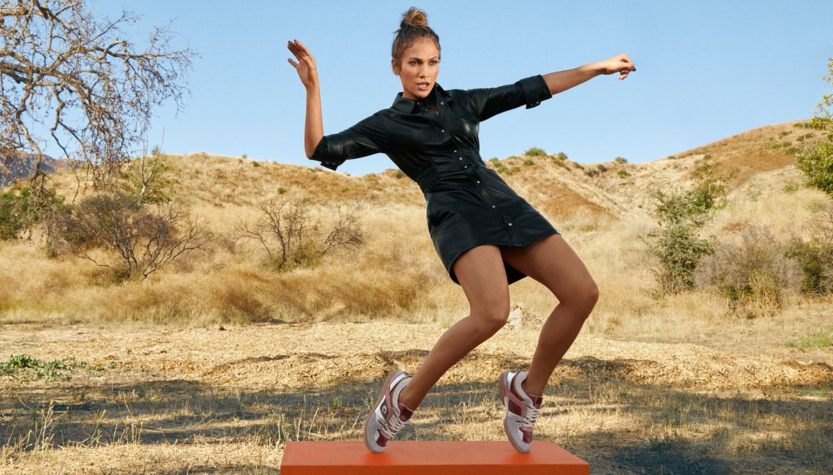 Meet the Mid Top. #JenniferLopez takes her moves to the next level in our new #CoachCitySole sneaker. Not quite a high top, not quite a low top, it hits that sweet spot we like to call: just right. #CoachxJLo https://t.co/GhRBTEqZGu #CoachNY https://t.co/H2Qhd9kkY5