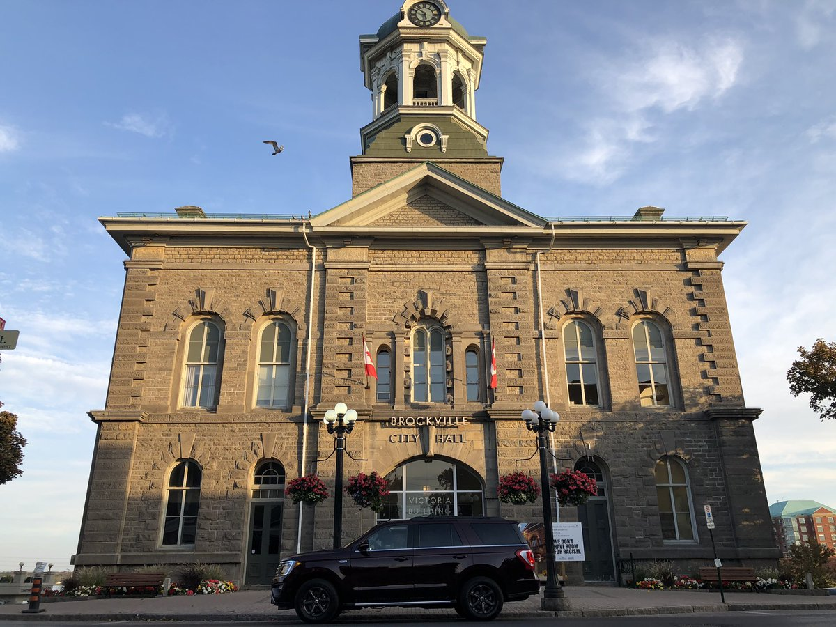 Have you been here?  The beautiful city of #Brockville is an absolute must-go for a #daytrip or a local #staycation! 🍂  Exploring @BrockvilleTour with @FordCanada! 🚗  #ontario #destinationontario https://t.co/4M5rJT10n1 https://t.co/30F8qaMD49 https://t.co/AQTTDIqSoE