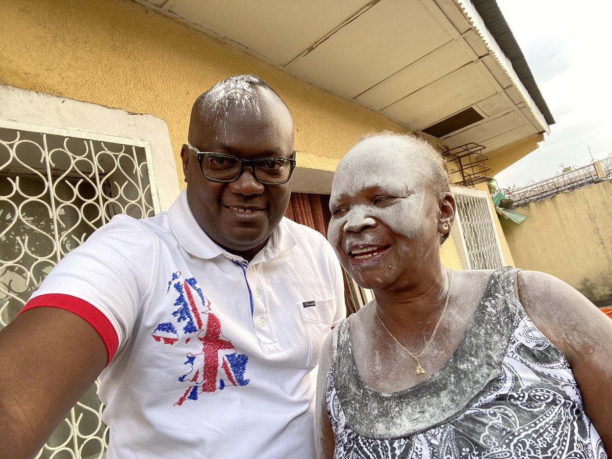 Félicitations à ma maman pour son diplôme d'Etat avec 60%. Plus qu'un enseignement, l'expression de la détermination...il n'est jamais tard, dit-on. @BakongaWilly @BNzimbi https://t.co/xwdriaVh3x