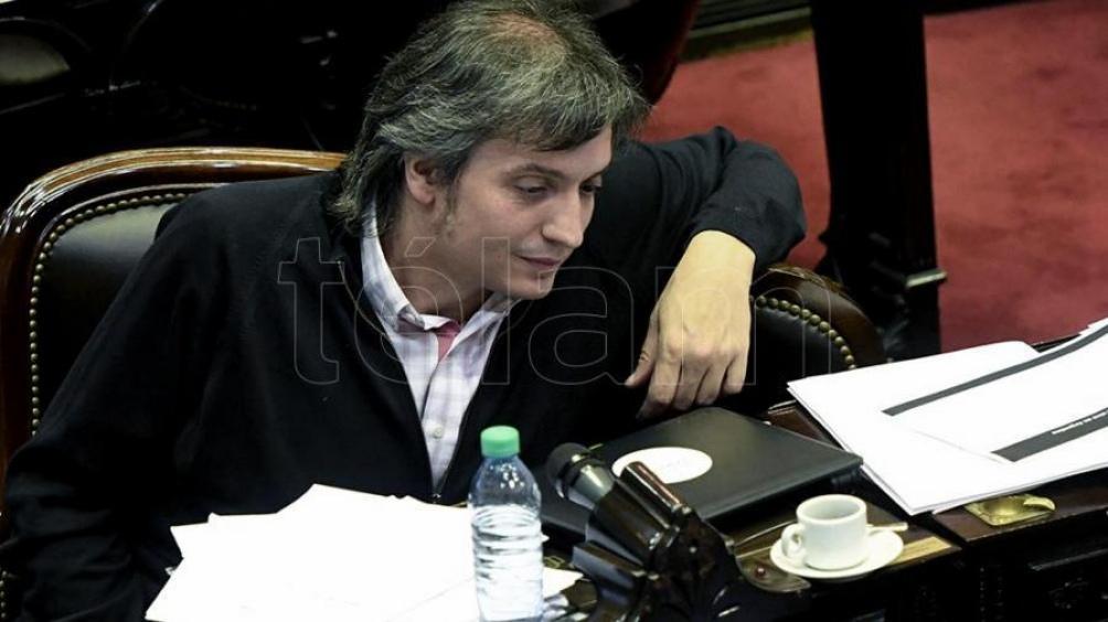 """Máximo Kirchner dijo que la pandemia de coronavirus """"agravó y profundizó los problemas que generó el macrismo con sus políticas económicas anticuadas que nunca funcionaron"""". https://t.co/QNsX9f6Ksb"""