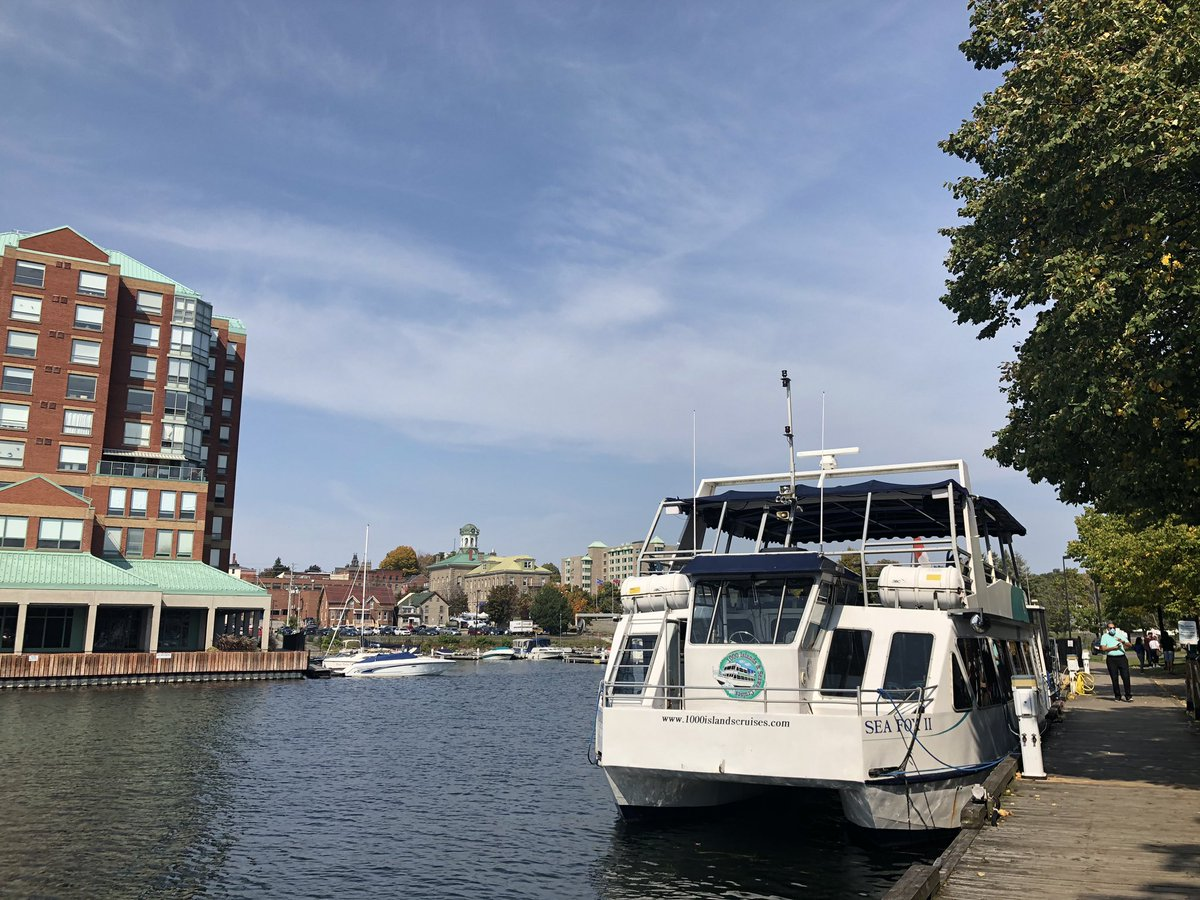 Of course we have to take a #cruise!  We're in the 1,000 islands after all!  Go see #Brockville: a 1,000 Island must-go for a #daytrip or a local #staycation! 🍂  We're exploring the city with @FordCanada #FordExpedition! 🚗  Have you been?🛳  #ontario #fordpartner https://t.co/t13ksG5TLo