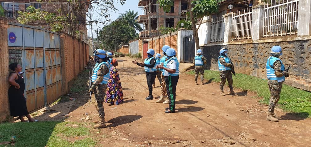 Despite the challenges of #COVID19, @MONUSCO continues to provide critical protection to communities in the D.R. Congo 🇨🇩.    Egyptian @UNPOL officers 🇪🇬 recently patrolled the city of Bukavu to protect and reassure the local population. #A4P https://t.co/2REbZF016h