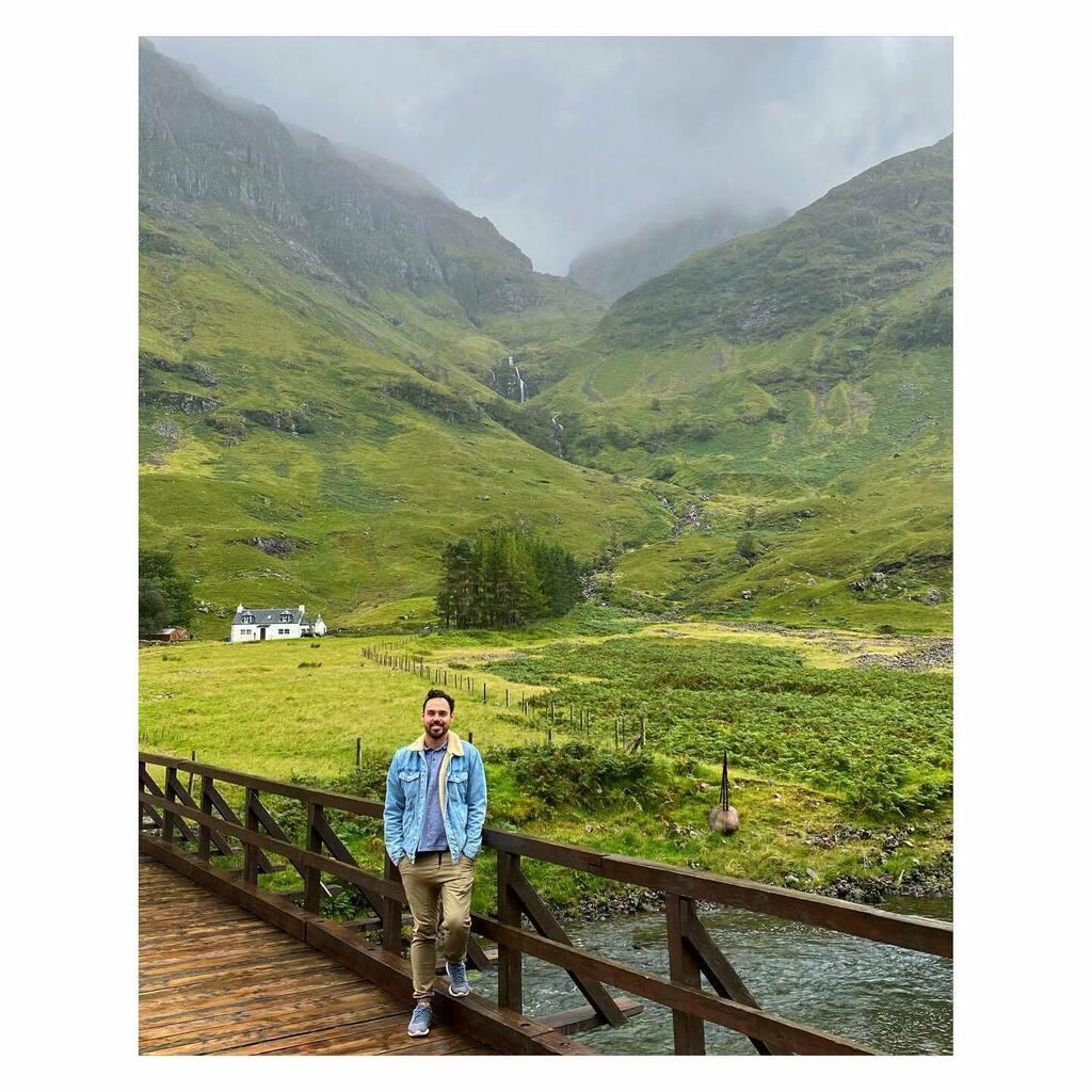 Highland  mountains. ⛰🏠🌲🏴  📸: @helvucis  . . . #waterfall #bridge mountains #view  #clouds #rainyday #nature #mothernature #beautiful #explore #adventure #memories #travel #traveller #travelphotography #traveltheworld #traveluk #instagood #instapic… https://t.co/aGm8ndzBjZ https://t.co/I1uzQAEmVM