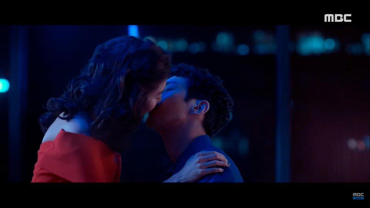 "[YOUTUBE] {200927} https://t.co/YYahxxTZxY  Se ha estrenado ""Love Virtually"" del drama ""SF8"" con #Siwon como protagonista. Clips oficiales:  https://t.co/hpBgUSqqiu https://t.co/jNtFeoQqys https://t.co/tg3CMdapYT https://t.co/UNHziVVujA  Subido por ELF Argentina [CJP] @SJofficial https://t.co/Aj1VESTst2"