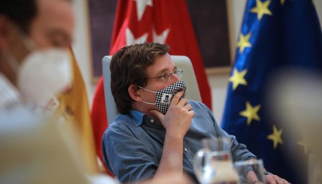 """Almeida cree que sería un """"error"""" intervenir Madrid ya que los datos """"avalan"""" al Ejecutivo de Ayuso https://t.co/UNjV3nxE59 https://t.co/WHHUkdf55S"""