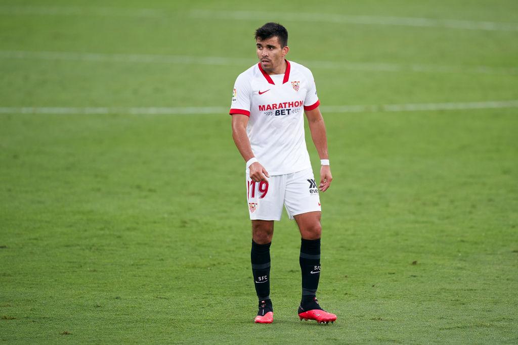 Remontada del @SevillaFC en su 1-3 en el campo del Cádiz en su entreno liguero.   👉 Marcaron De Jong, @Munirhaddadi e @ivanrakitic. 👉 Debutó @AcunaMarcos17 como hispalense. 👉 ¡Este jueves estará en el sorteo de la fase de grupos de la Champions League!  #UCL https://t.co/LdfQiQzxF8