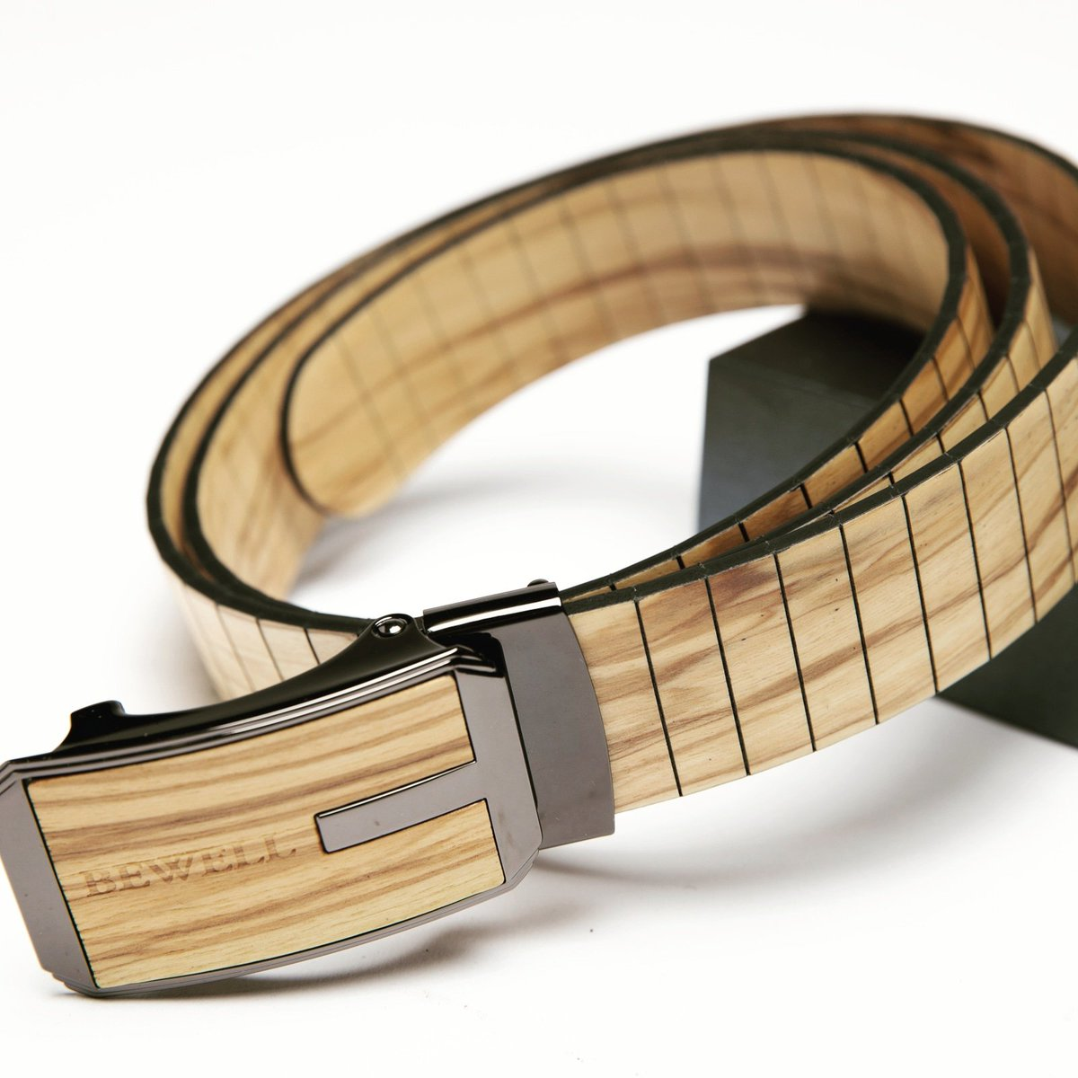 A belt completes the look  #igstyle #mensfashion #fallfashion #fallfashion2020 #stylediaries #mensstyle #whatiwore #fashion #jewelryaddict #menstyle #watchgeek #waistgame #timepiece #dapper #watchesofinstagram #beltbuckles #beltbuckles #beltsforsale #beltedpants #beltsofinstagram https://t.co/7aYlmqy2bl