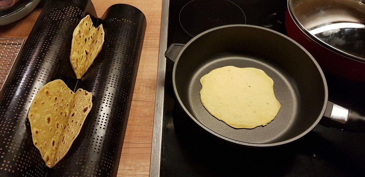 Nachwirkung vom tollen #t3cm.... Ich musste es wieder tun!  ;-) #TYPO3  #InspiringPeopleToShare  #selfmade #Tacos #Guacamole https://t.co/BM62cOYdhr