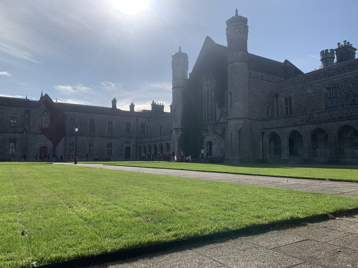 We are back in the Quad this week 12pm-3pm Monday-Thursday with free face masks, SU diaries, SU cards and Flirt FM wall planners for #NUIG students   Please follow the social distancing markers 🟨➡️  #WearAMask #InThisTogether https://t.co/mscd56UgkL