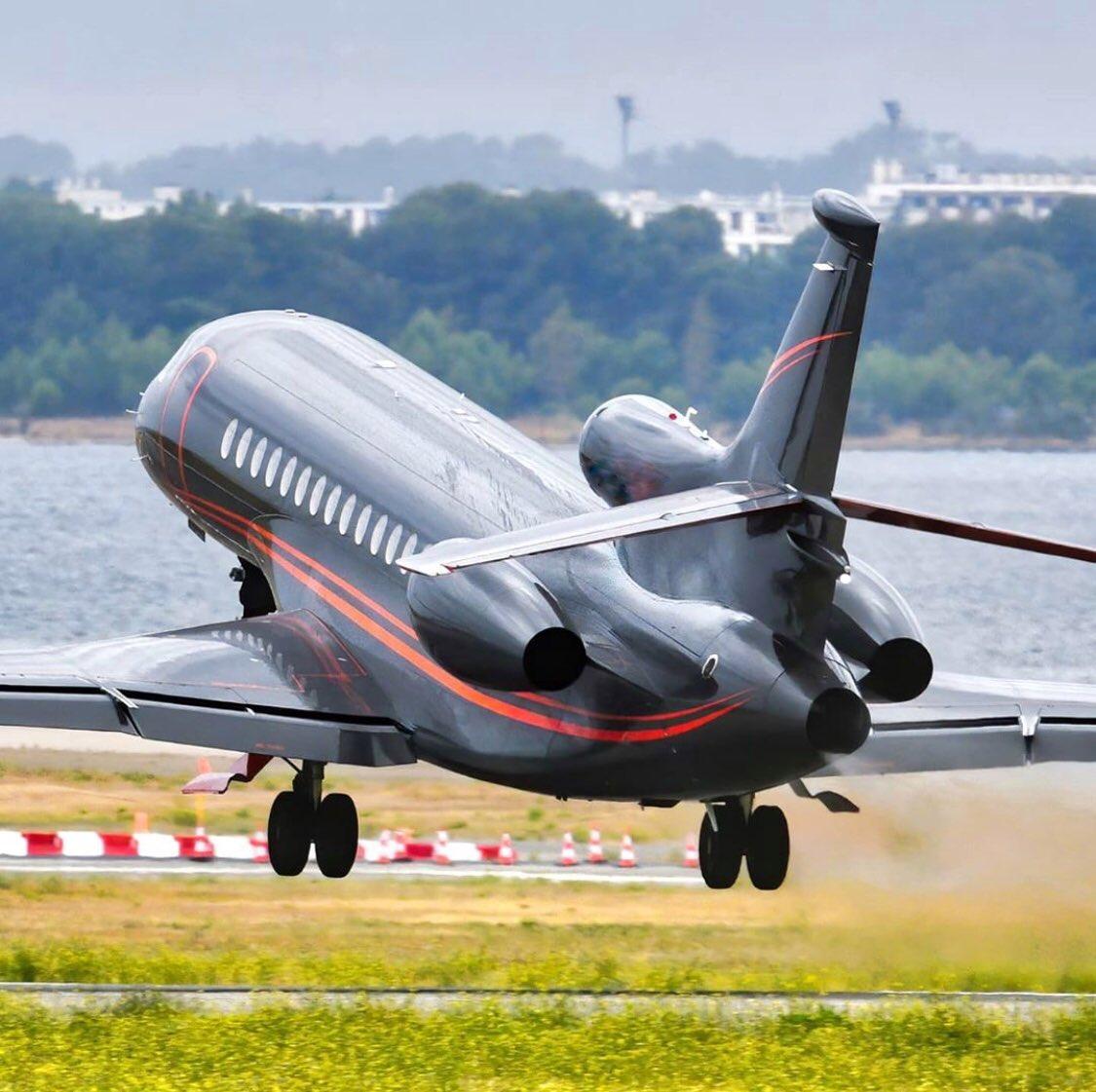 #BusinessJets @chris.planespotting ® triholer take-off #Dassault #Falcon8X #Fa8X . #instagramaviation #megaplane #BusinessAviation #FlyPrivate #PrivateJet  #CharterJet #BizJet #Flight #Luxury  #Travel #EmptyLeg #BusinessJet #CorporateJet #Aviation https://t.co/pcp8Z9Lkzu