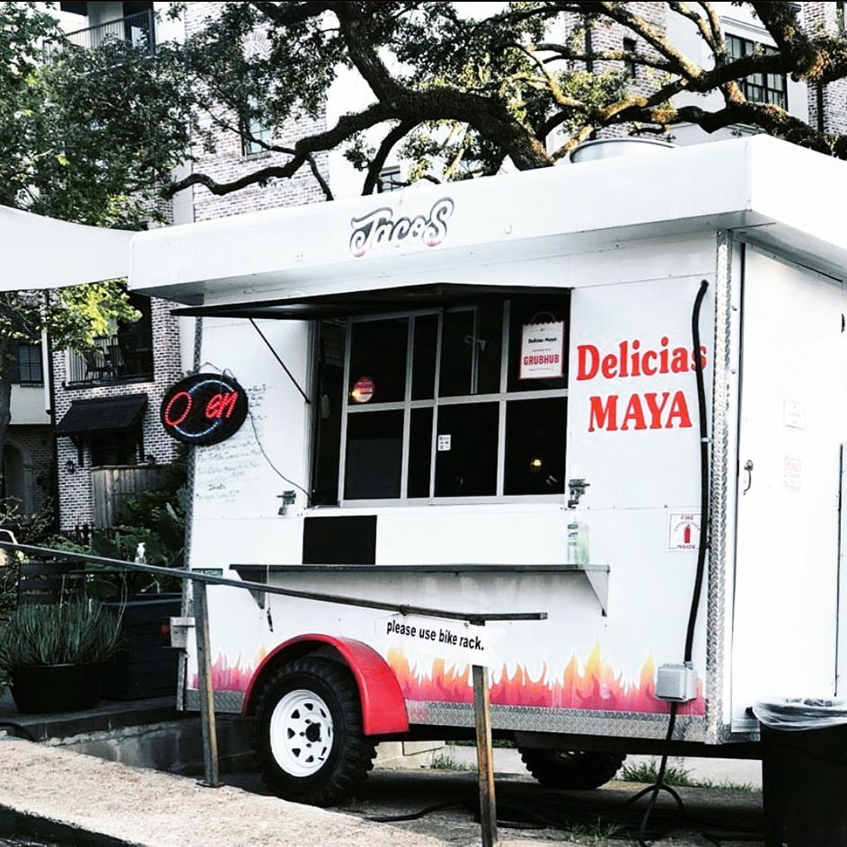Today, starting at 4pm @deliciasmaya1 street tacos & quesadillas. Yum!! See you soon. #poisongirllovesyou #streettacos #quesadillas https://t.co/BSu3O4eS1A