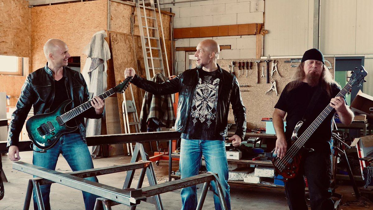 Our new rock music video #inflames is online https://t.co/M2xcpON8iE https://t.co/zGOv7ryBSi