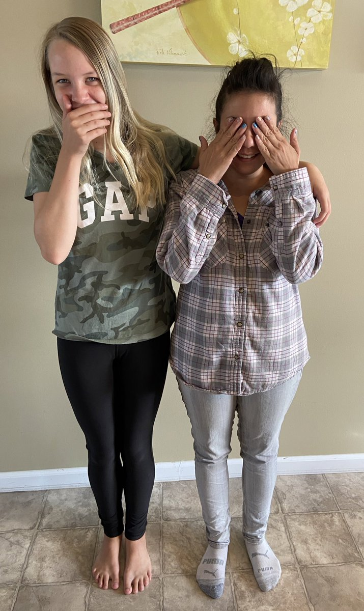 Weekend fun hanging out with friends! My 11 year old is officially taller then my friend, Jann. Baked cookies 🍪, played at the park, mother/daughter spa mani/pedi & lots of laughs. #weekendvibes #SundayFunday #SundayMorning #Motherdaughter #Friends https://t.co/AdAKaWPDzG