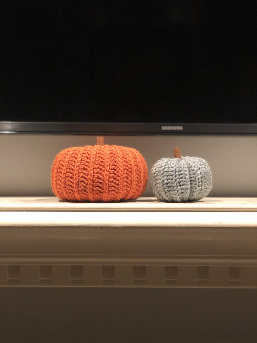 Last Sunday I made pumpkins. This Sunday I spent all day writing. This is work life balance right? 😅   #AcademicTwitter #phdchat https://t.co/iL3zr2HNmy