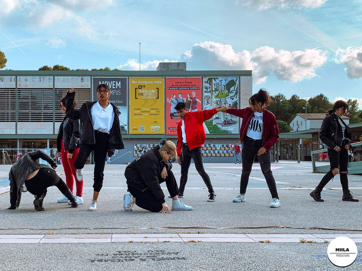 💜I TROBADA BTS BARCELONA💜  @ayoprism bailando #RUN de @bts_bighit   ¡Mira su actuación! https://t.co/XcfpqlXY2L   #BTS #BTSBarcelona #army #event #UAB #댄스 #대한민국 #디스플레이 #안무 #dance #exhibition @BTSBarcelonaCat https://t.co/51tc14BD2h