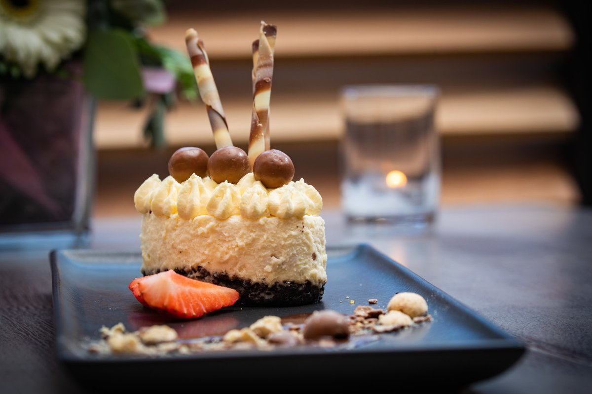 Our Malteser Cheesecake is only a click away. Book a table here https://t.co/B9mMSBNMv5 and come enjoy all day dining at the Court #SupportLocal #Offaly #TullamoreCourt #iNUACollection https://t.co/3FsUEdr15s