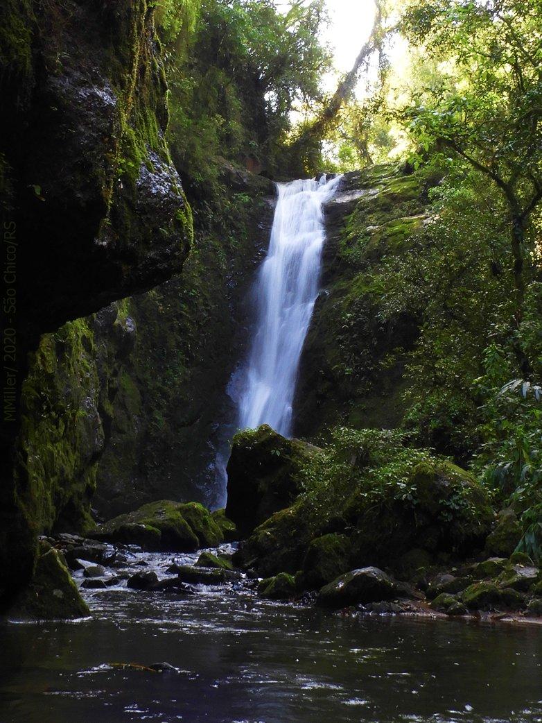 uma das cachoeiras do 'Parque das 8 cachoeiras' em 'São Francisco de Paula' no RS.  #cachoeira #waterfall https://t.co/fbIfEvBlTz