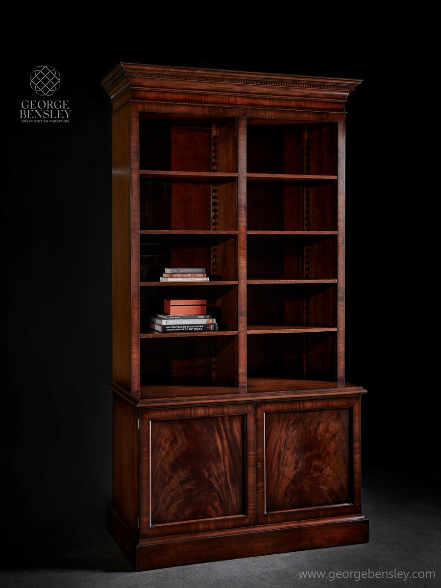#Mahogany_Bookcase Whether you aspire to a library or merely seek somewhere to display treasured objets d'art, this imposing #bookcase is the perfect setting. Constructed very much in the #Georgian taste, from its ionic cornice to its swirl veneered panelled doors https://t.co/IER65SQYid