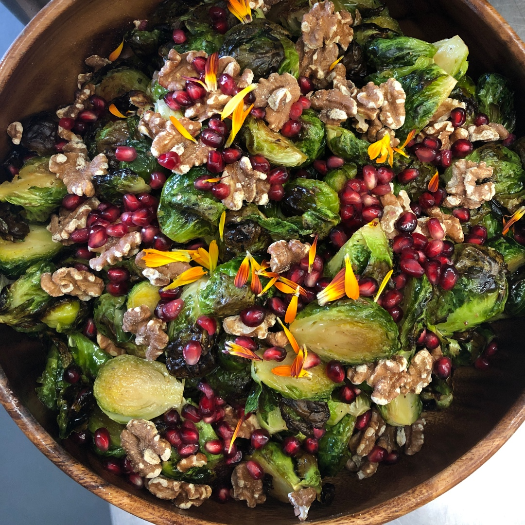 It's a superfood extravaganza! . . . #food #foodie #instafood #foodstagram #yummy #eeeeats #foodphotography #forkyeah #delish #party #catering #hosting #hostess #saveurmag #fwmagazine #food52 #nytimescooking #tastemade #huffposttaste https://t.co/TDE6BnakMo