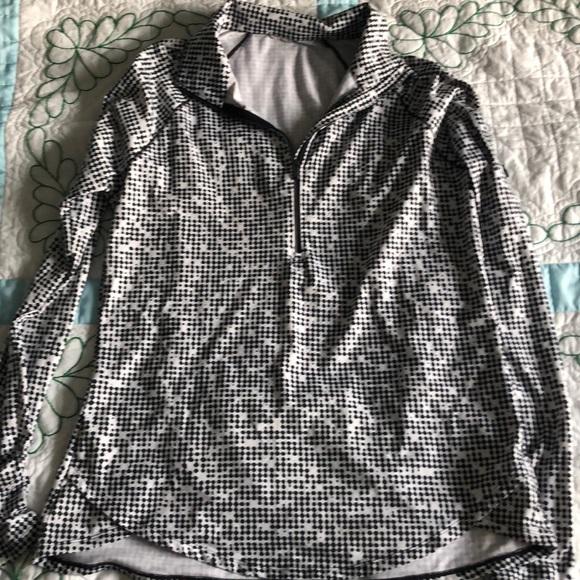 So good I had to share! Check out all the items I'm loving on @Poshmarkapp from @foxycharli #poshmark #fashion #style #shopmycloset #underarmour #freepeople: https://t.co/ueXeT0QlzF https://t.co/gRBksRCjIq