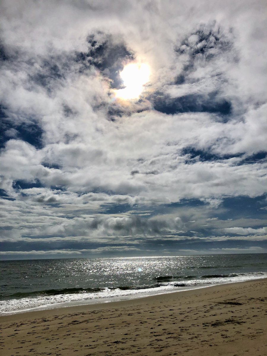 Replying to @JohnPietrobono: #September #skies #beachbirds #beachpeople #haveagreatweek