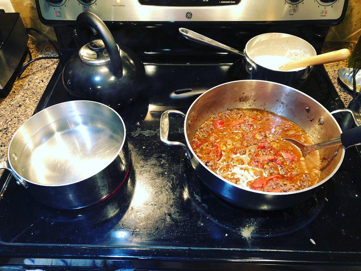 Homemade pastitsio for dinner. #bechamel #pasta #tomatosauce  #cooking #dinnerathome @inagarten https://t.co/9PHjrlFCU8