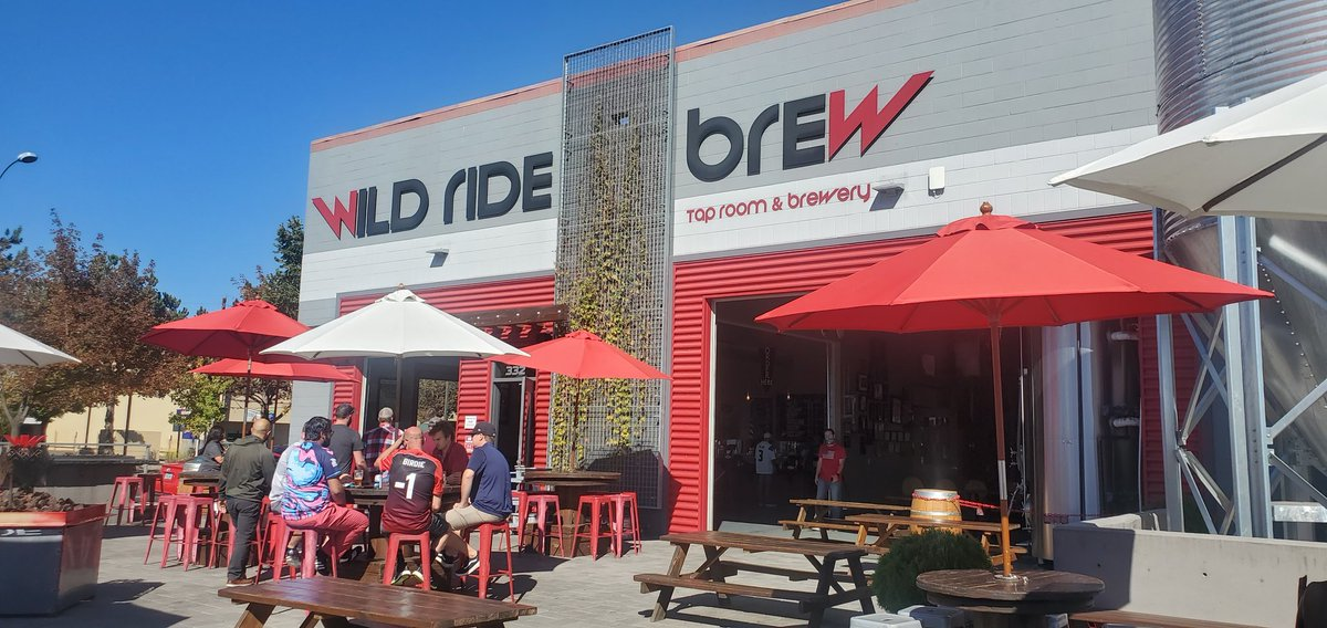 Sunday Funday on the patio! #inRedmond #craftbeer #independentbeer https://t.co/BwWFoW76xb