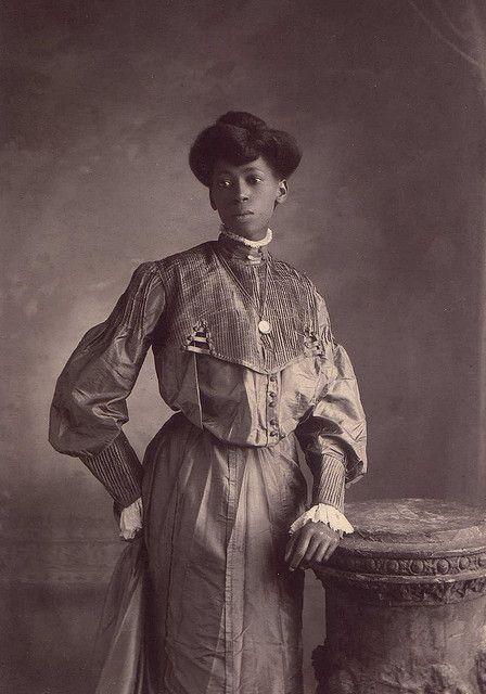 Portrait of an unidentified woman. Photographed in Norfolk, 1890. https://t.co/cL1gL9p2K8
