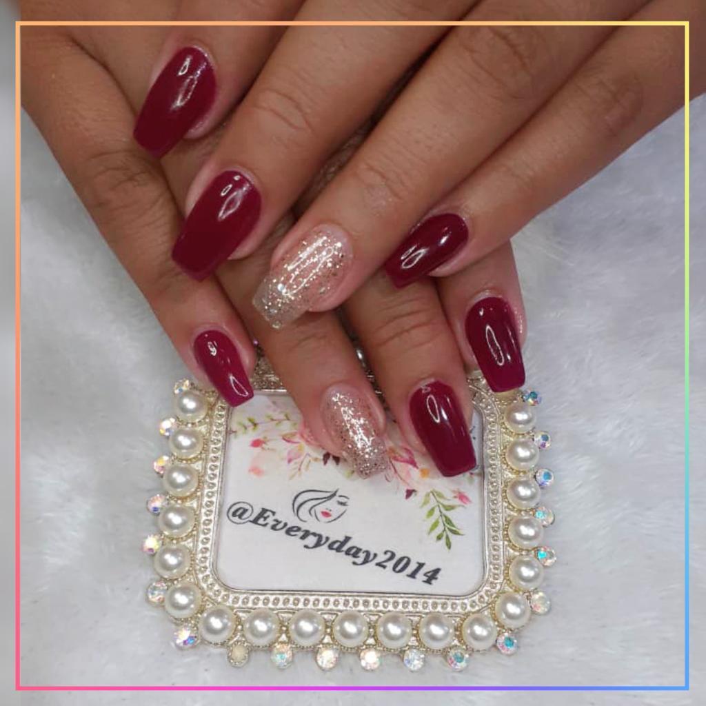 """Quizá no haya un color más elegante que el color vino para tus uñas @everyday2014 Técnico en uñas @Yennifersalas """"Tan perfecta como te lo imaginas"""" . . Twitter: @everyday2014c.a Pag Facebook: @everydaycejas Whatsapp: 0426-1532090 . . #everyday2014 #Maquillaje #CejasSemipermane https://t.co/VezEDPqTv2"""