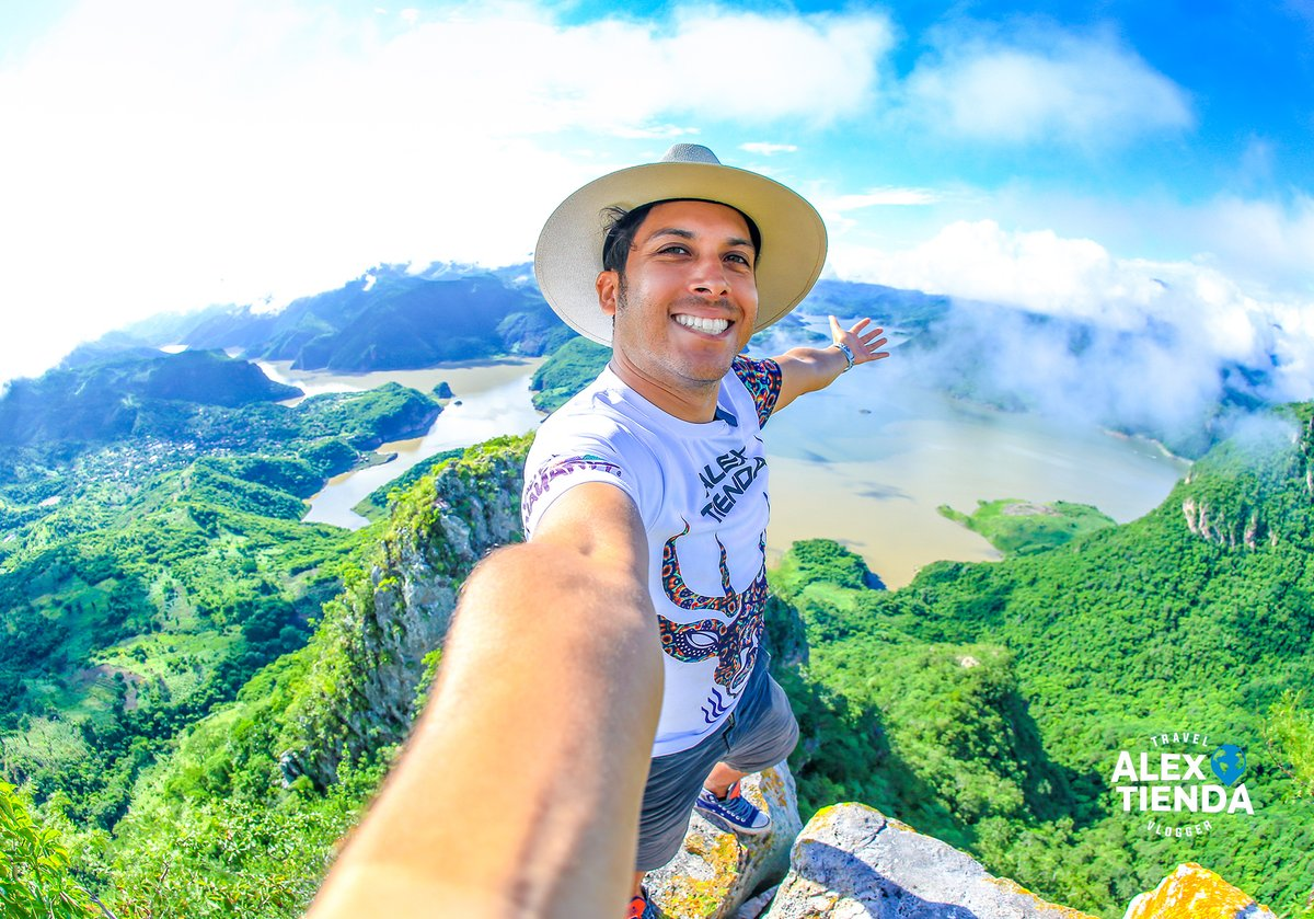 Hoy es el Día Internacional del Turismo y me siento muy afortunado de poder ser parte de esta industria que año con año nos llena deaventuras inolvidades.  MIL GRACIAS por permitirme compartir con ustedes toda la magia y belleza del turismo mundial, a través de mis videos!🌎✌️ https://t.co/vwn5sRXEWy