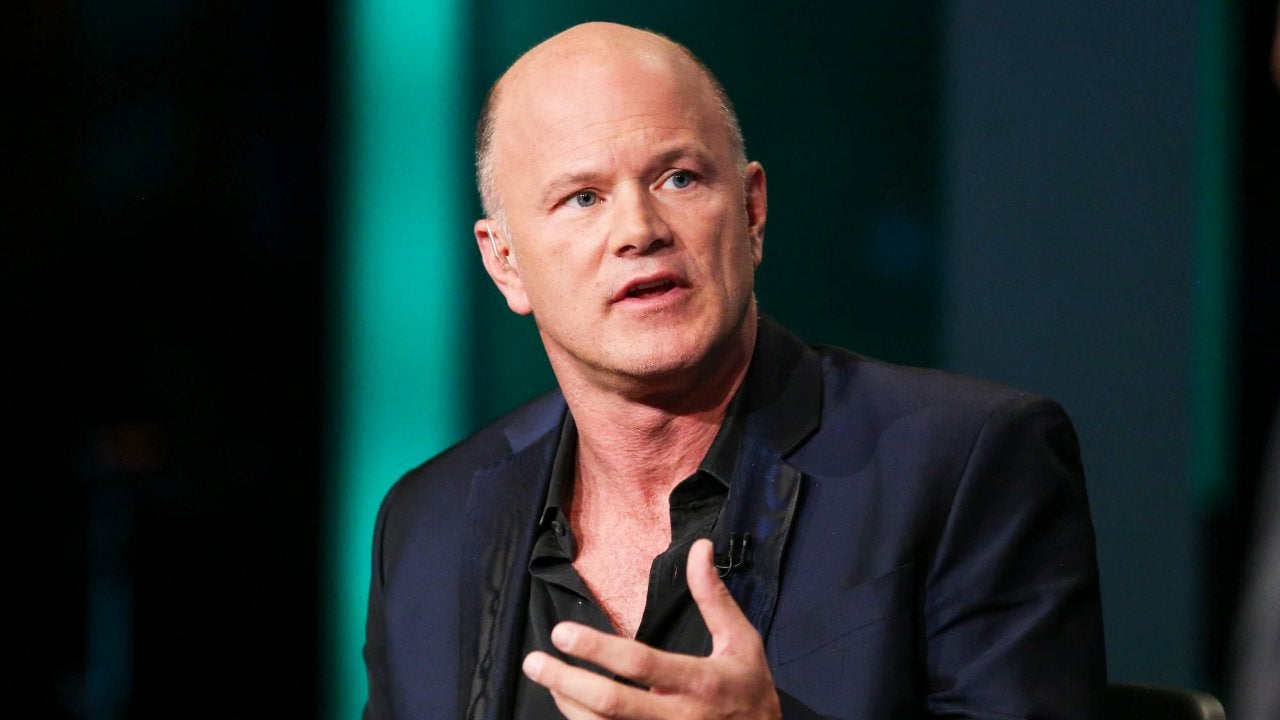 Novogratz: Dangerous Time to Be in Stocks, Bitcoin Has More Upside Than Gold Photo