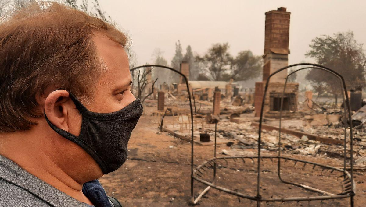 "L'Oregon ravagé par les flammes : ""Ça ressemble à l'apocalypse""   Reportage à Phoenix, au plus près des zones dévastées, et à la rencontre de sinistrés traumatisés. https://t.co/fVlS70JQ5M  #FireSeason2020 (par @BenjaminIlly) https://t.co/eIsH3UgwJO"