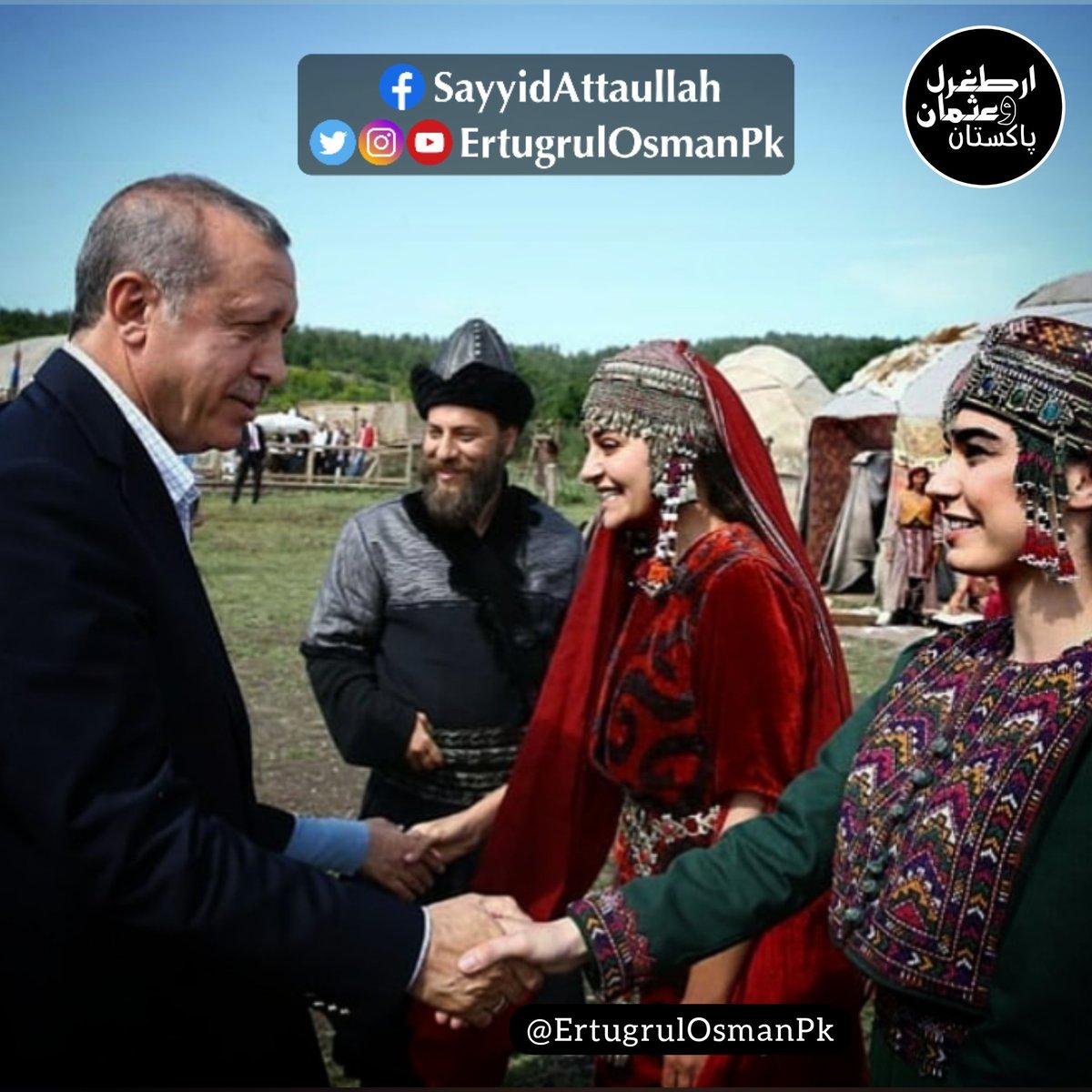 Mard E Mujahid With The Cast of #ErtugrulGhazi 👌✌️😍 #ErtugrulOsmanPakistan ..............................................  #DirilişErtuğrul #DirilisErtugrul #Ertugrul #ErtugrulUrdu #ErtugrulUrduPTV #ErtugrulUrduPTV_TRT #Erdogan #SelcenHatun #Gökçe #Gundogdu #ErtugrulCast https://t.co/5bPg1gommP