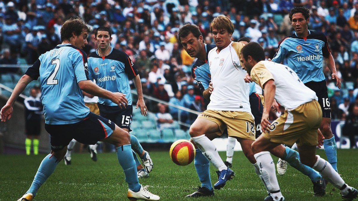 #OTD in 2006, @NewcastleJetsFC came from two goals down to record a 2-2 draw against @SydneyFC, with Jets striker Milton Rodriguez scoring a double on debut ⚽️⚽️⠀ ⠀ #ALeague #HALOnThisDay https://t.co/q5E3EtbUTJ