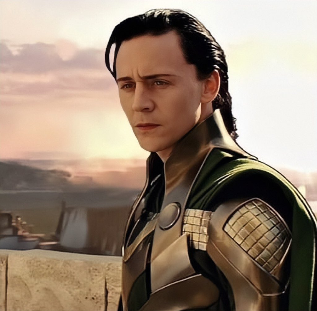 """Beb ; Loki era on Twitter: """"Loki's and Thor's eyebrows in the first Thor  movie hit different… """""""