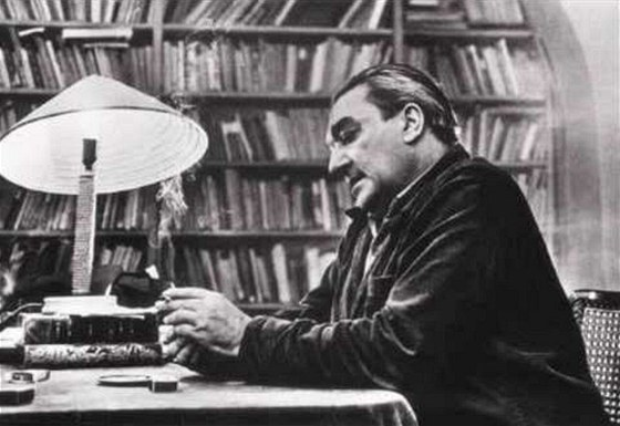Vladimír Holan (16. září 1905 Praha – 31. března 1980 tamtéž) byl jeden z nejvýznamnějších českých básníků a překladatelů 20. století. https://t.co/wM3oa4yit9 https://t.co/2uyB0ErCk1