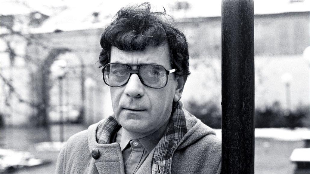 Petr Čepek (16. září 1940 Praha–Radlice – 20. září 1994 Vrchlabí) byl český divadelní a filmový herec. https://t.co/TUsuDaE9Oo https://t.co/zWZRsfwlHT