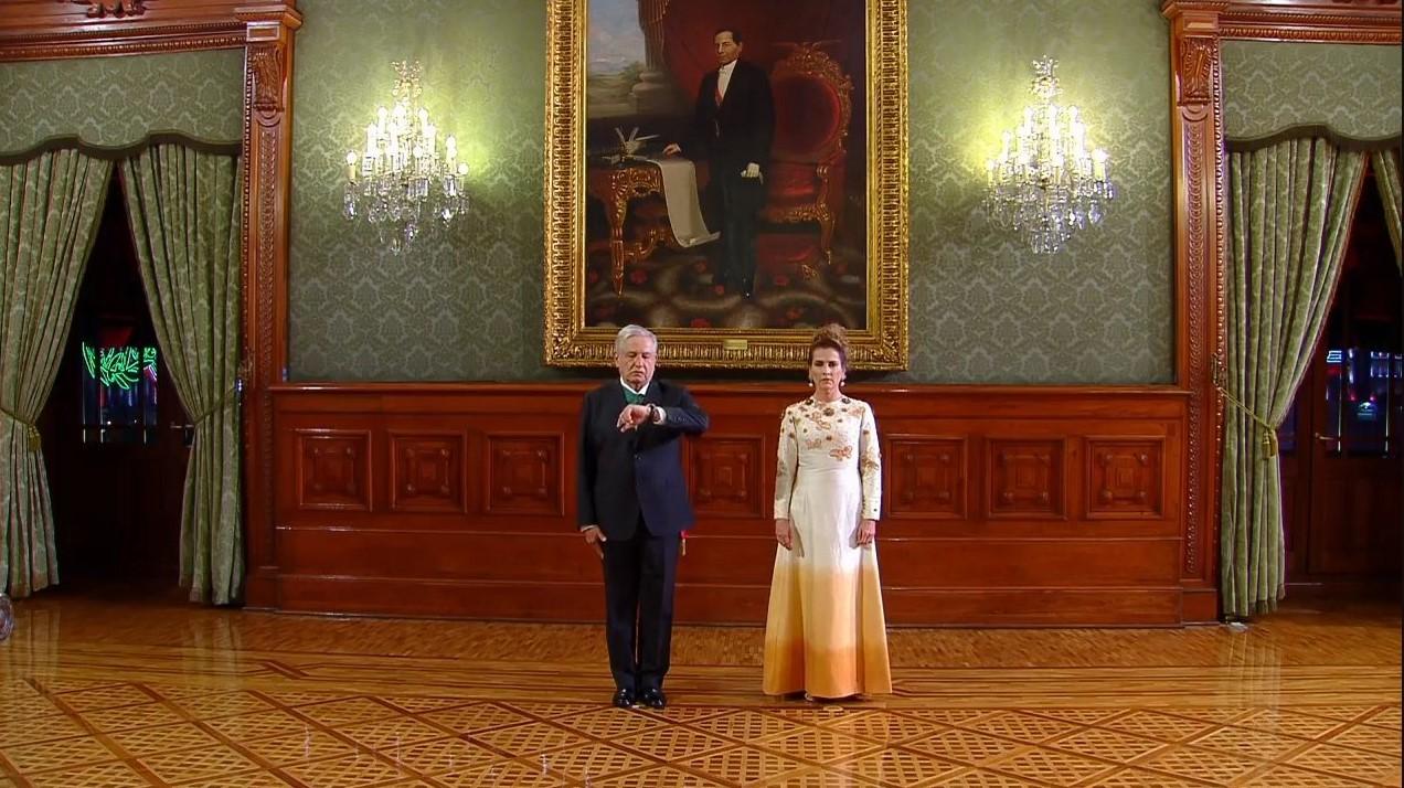 Así vistió Beatriz Gutiérrez Müller durante la ceremonia del Grito de  Independencia - Ahora Noticias
