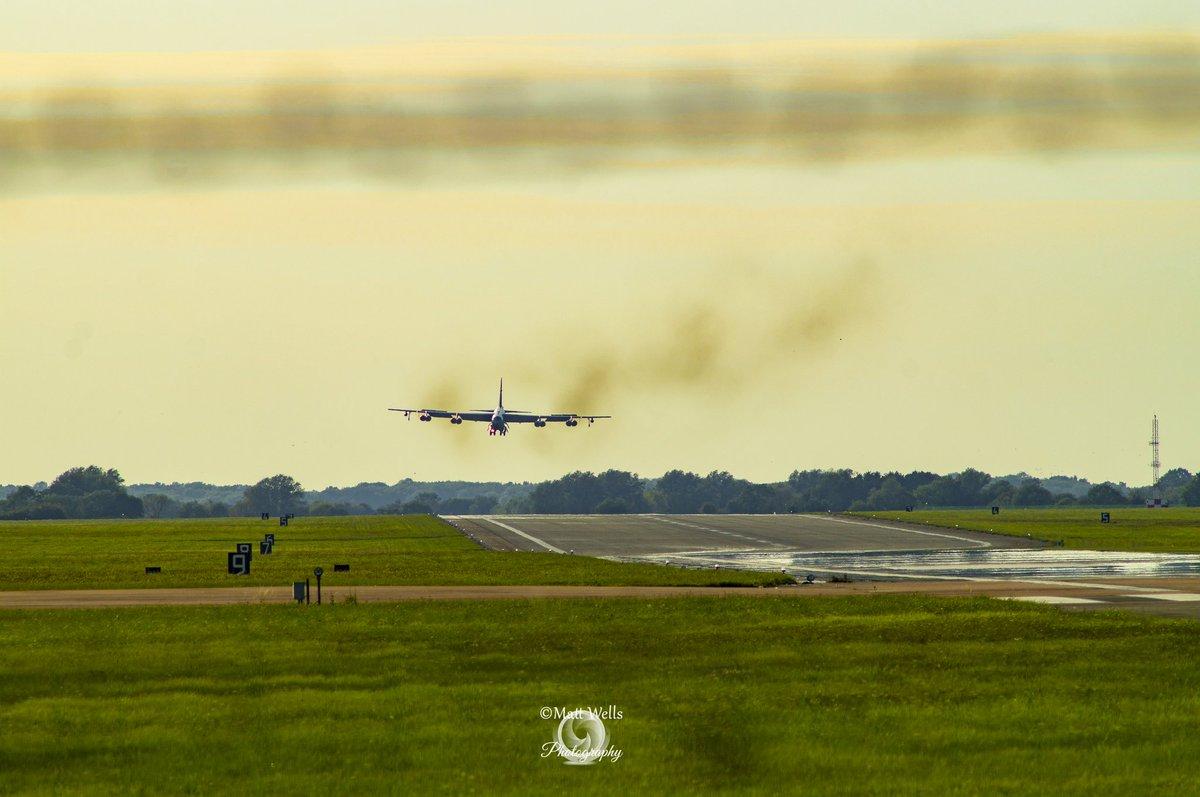 Crabby Landing. #buffs #aviationdaily #aviationlover #avaitionphotographer #aviationworld @USAF_ACC @usairforce @TeamMinot @NATO @BZZSpotters @RAFFFDSpotters #potn https://t.co/mFg8FDPxqn