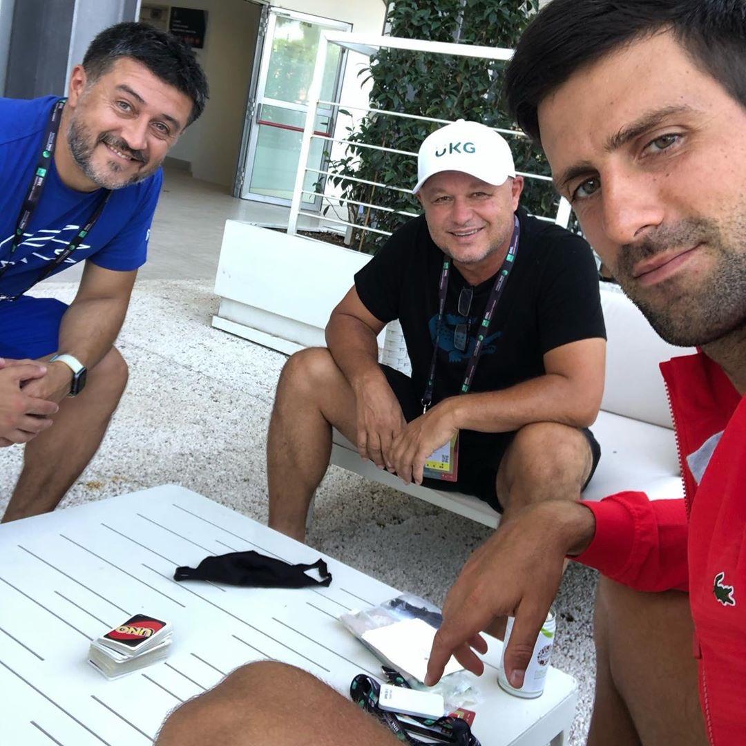 Pre match routine. UNO cards :-) idemooo #IBI20 @InteBNLdItalia https://t.co/bwtBWhQ4bX