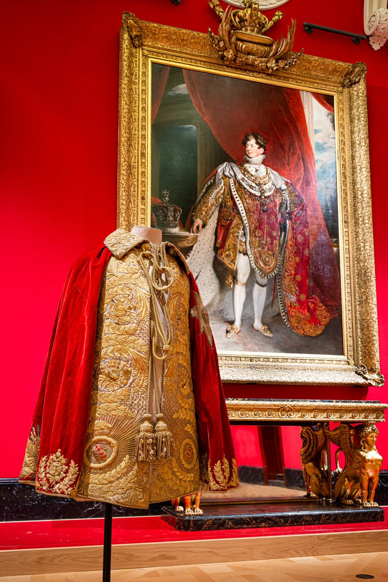 Kathryn: It changes everyday - but at the moment its #GeorgeIVs coronation robe, just because the exhibition gave everyone the chance to see the fabulous embroidery up close. rct.uk/collection/the… #AskACurator