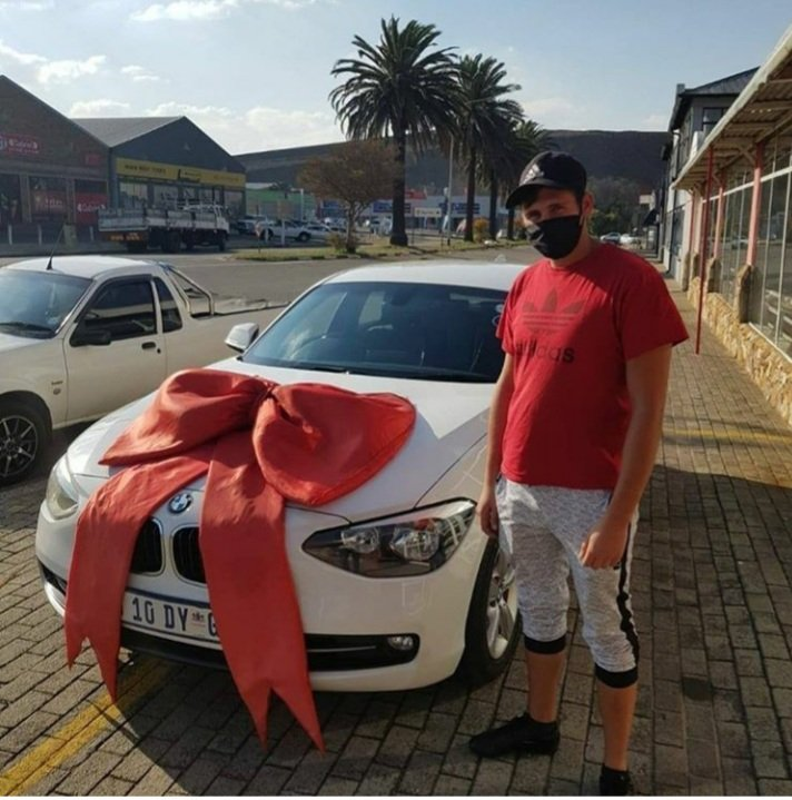 Mr. Enslin Taking Delivery Of His BMW 1 Series!   #permissiongranted https://t.co/CeWTWpD4BF E and OE  #HappyClients #Deliveries #satisfiedcustomer #Bmw1Series #Bmw #Beemer #Drive  #MotorMan #Nigel #ICanWithAbsa #WednesdayMotivation  #10milliondreams # https://t.co/cd8NxTkHal