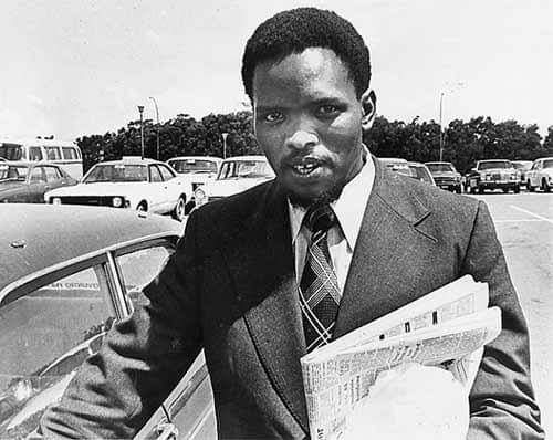On 12/9/1977, Black Consciousness Leader Steve Bantu Biko died in detention. He was said to have died on a mat on a stone floor after suffering three lesions due to the application of force to his brain.  He was coming to Port Elizabeth for a meeting, and was caught at a nearby https://t.co/4RkvgrnZfR
