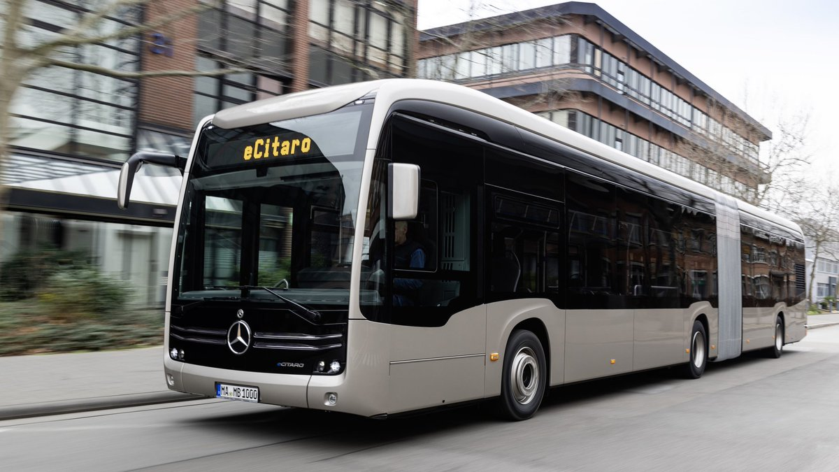 MERCEDES READY TO ROLL OUT SOLID-STATE BATTERY TECH FOR PRODUCTION OF CITY BUSES • #supercar #automotive #auto #automotivesandtechnology #supercars #carswithoutlimits #amazingcars247 #carlifestyle #itswhitenoise #carinstagram #cars #dreamcar #cargram #exoticcars #atmtechofficial https://t.co/WOKI77ooiU