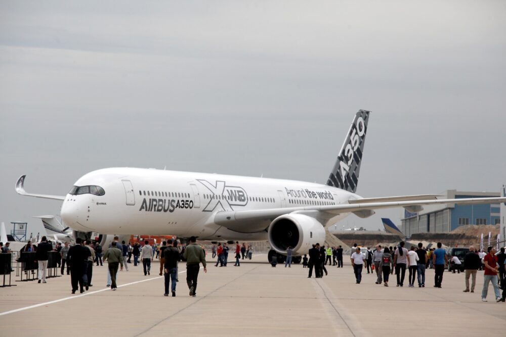 It has been only five and a half years since the A350 started flying commercially. But in this short span, the plane has proved to be extremely popular with both passengers and airlines.  #airbusa350 #airbusa350operators #airbusnews #worldaviationnews #wor https://t.co/WmWRRPGMPt https://t.co/GbSREoOakr