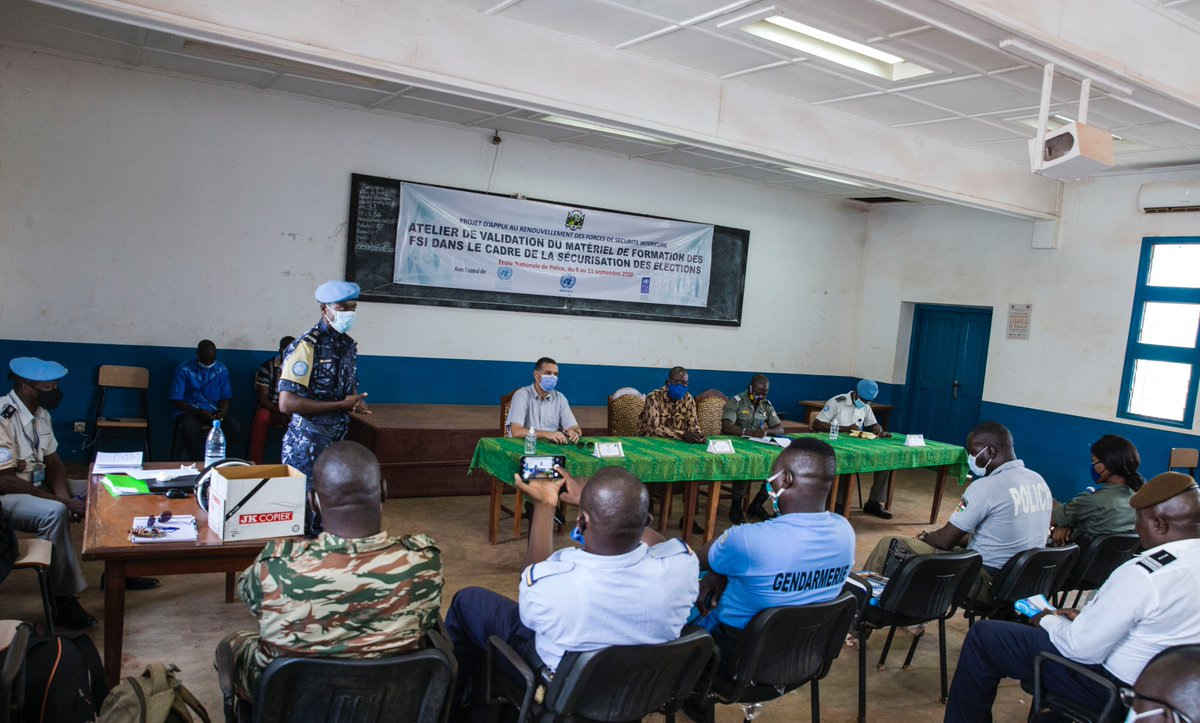 Despite the challenges of #COVID19, @UN_CAR continues to support preparations for the upcoming elections in the Central African Rep. 🇨🇫   @UNPOL joined @PNUD_RCA to hold a training session on securing elections across the country.  🗳️#A4P https://t.co/8yCe5sydZm
